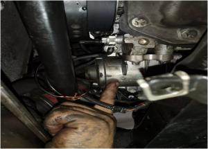 BMW ur-ponpa elektrikoa ordezkatzeko metodoa